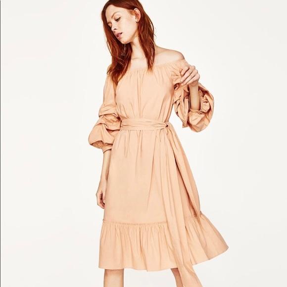 80b3434955d0 Zara Woman off Shoulder Maxi dress Size XS